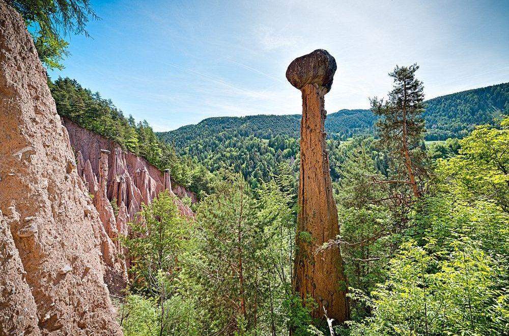 اهرام زمین، پدیده ای طبیعی و منحصر به فرد در شمال ایتالیا