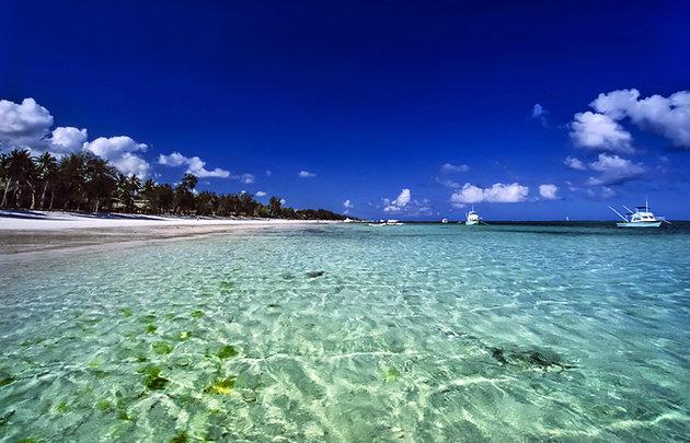 دریا بسیار زیبا