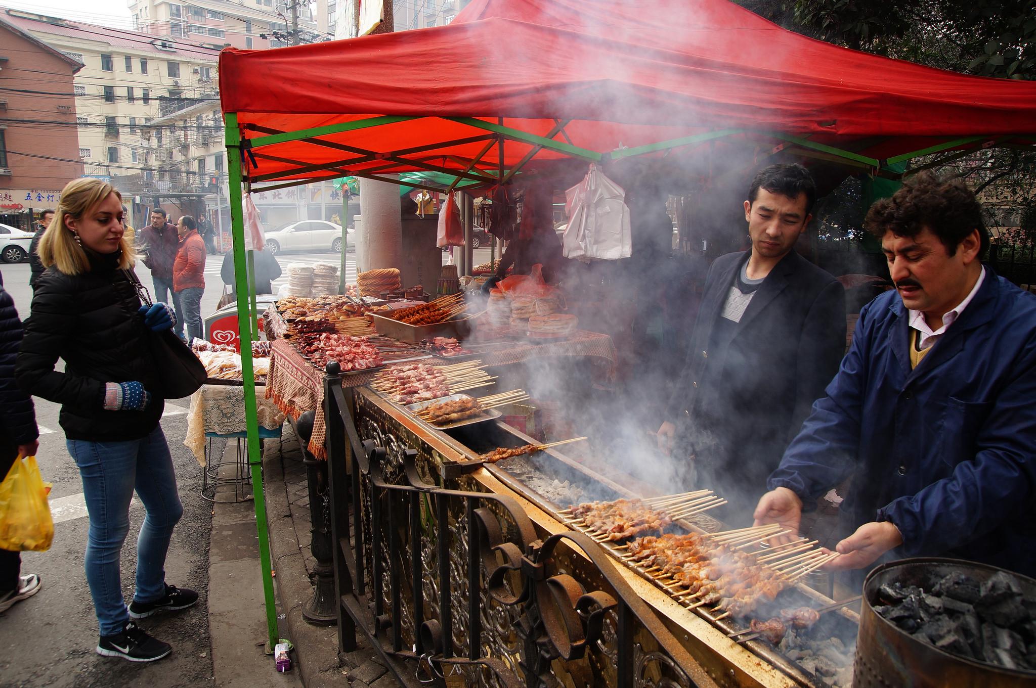 جمعه بازار مسلمانان در شانگهای چین