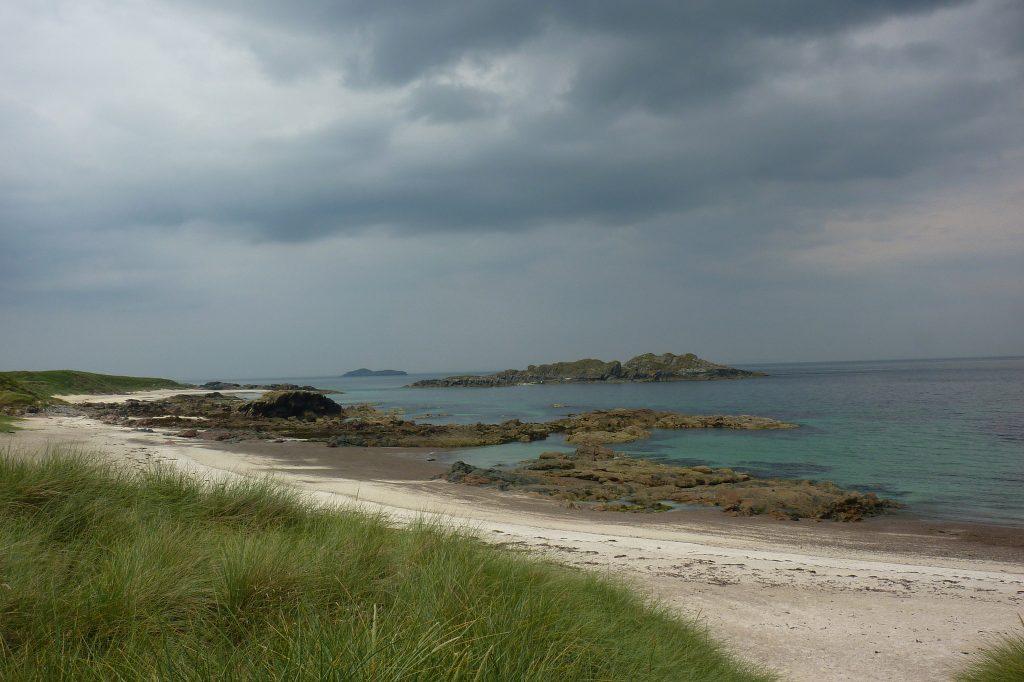 یونا جزیرهی اسرآمیز و پنهان اسکاتلند