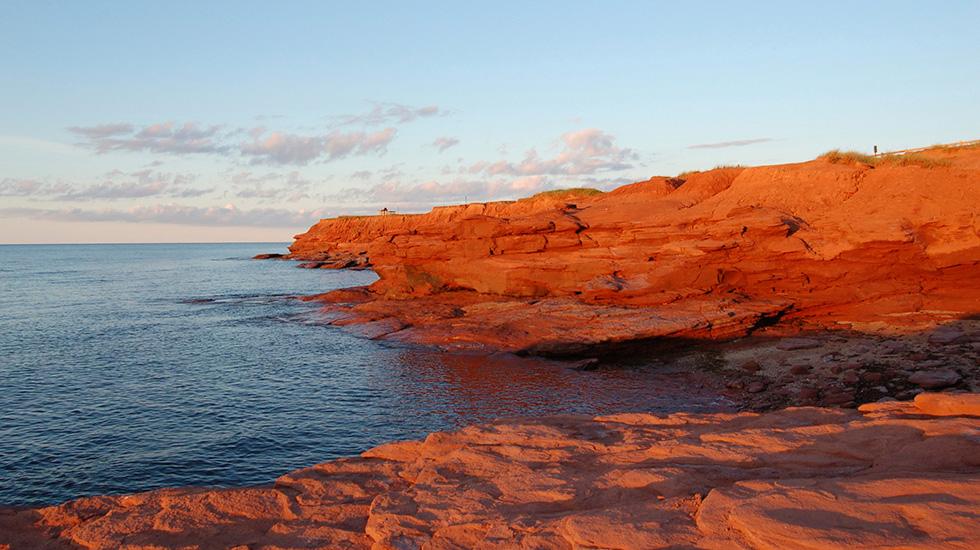 ساحل کویندیش در کانادا | ساحل شنی قرمز