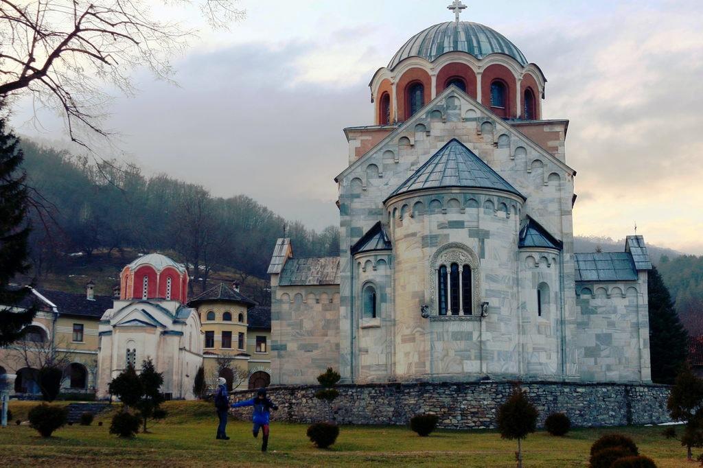 جاذبه های گردشگری صربستان - صومعه استودنیکا