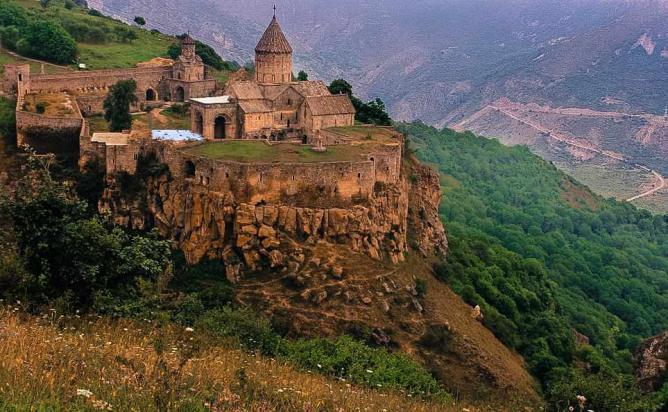 جاذبه های گردشگری ارمنستان - صومعه تاتو