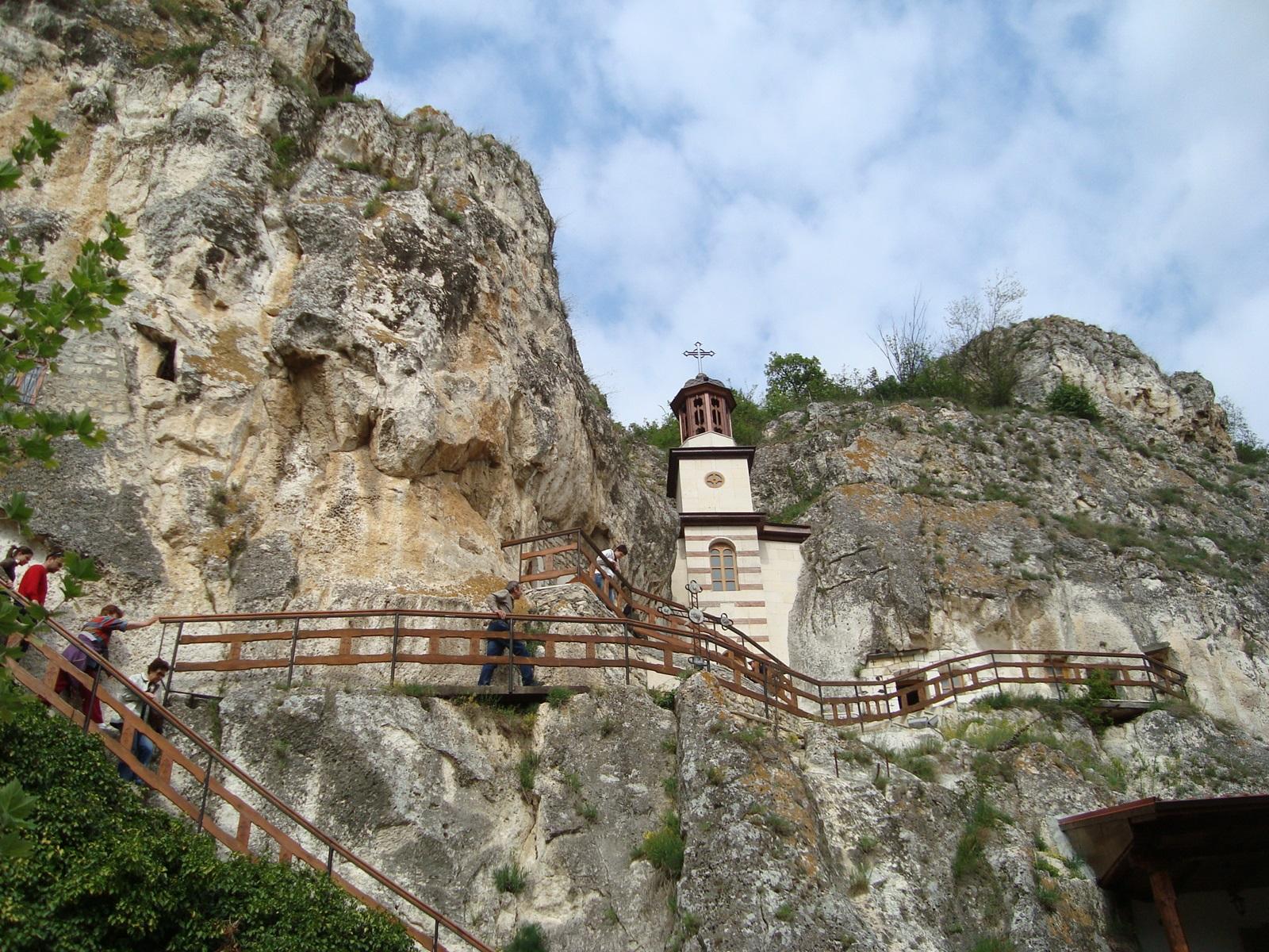 جاذبه های گردشگری بلغارستان - صومعه ایوانووو