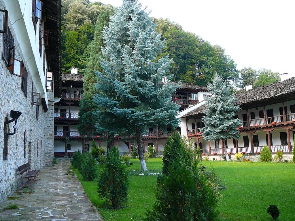 جاذبه های گردشگری بلغارستان - صومعه ترویان