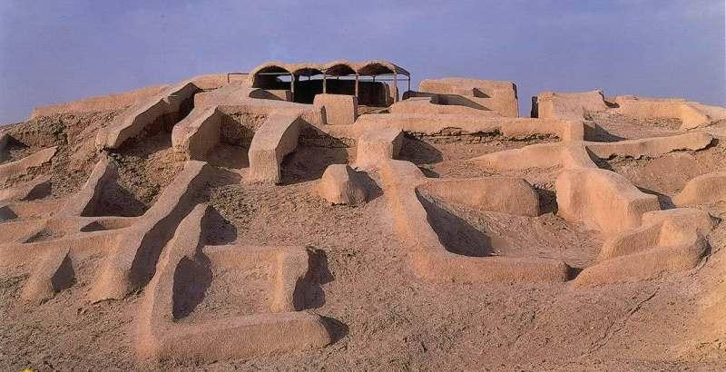 شهر سوخته از جمله معروف ترین مکان های توریستی زابل