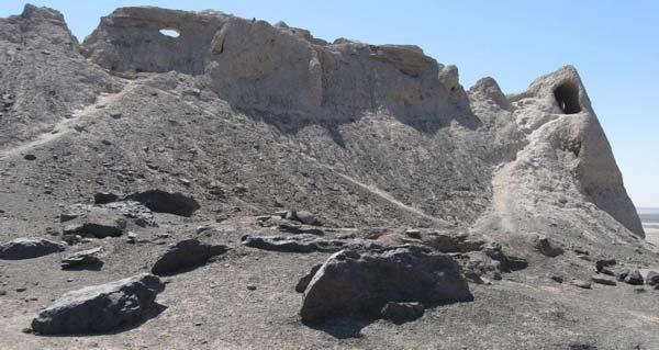 قلعه رستم و کهک کهزاد از جاذبه های توریستی زابل