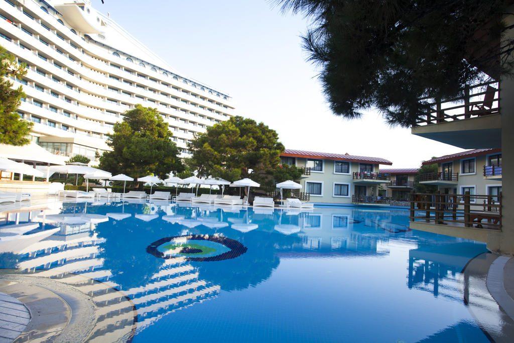 امکانات و خدمات ارائه شده هتل تایتانیک آنتالیا به مهمانانش