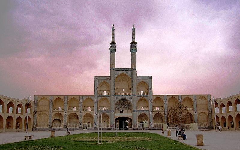 بازارها و میدان های تاریخی شهر یزد از جاذبه های دیدنی یزد
