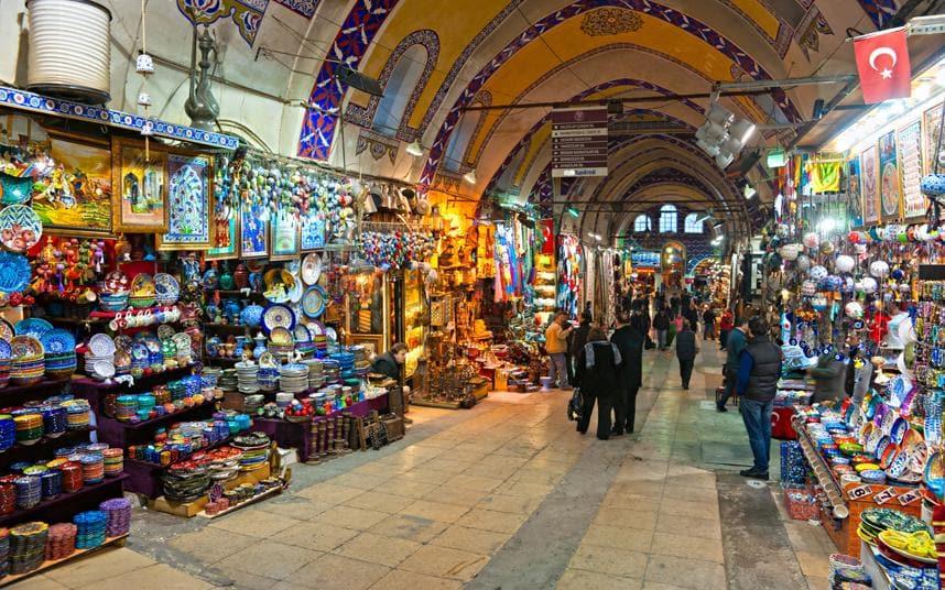 بازار کمارالتی از جاذبه های گردشگری ازمیر