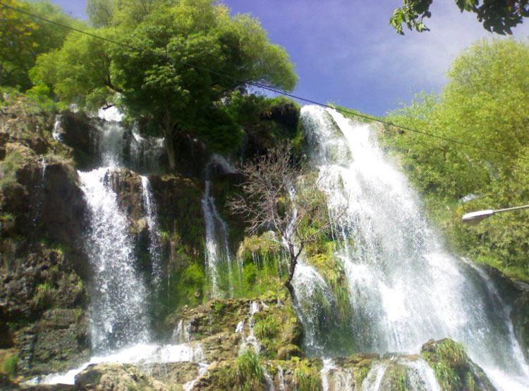چشمه و آبشار نیاسر