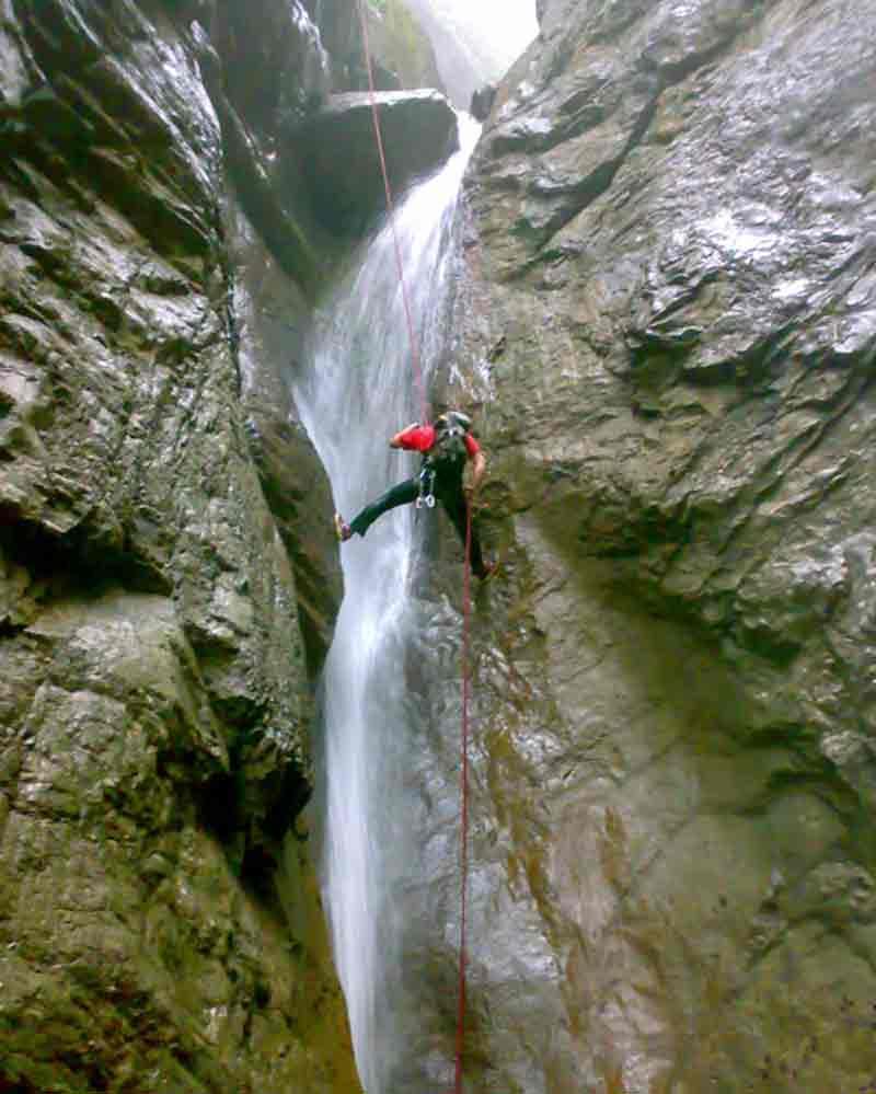 آبشار و کوه تل انبار از مکانهای دیدنی گرگان