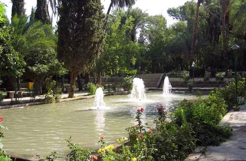 باغ گلشن از جاذبه هاى گردشگرى شهر طبس