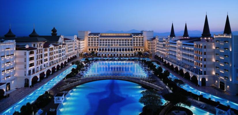 خدمات هتل پالاس آنتالیا
