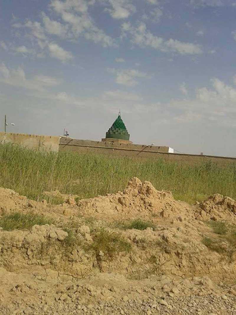 زیارتگاه شاهزاده حمزه از جاذبه هاى بندر ماهشهر