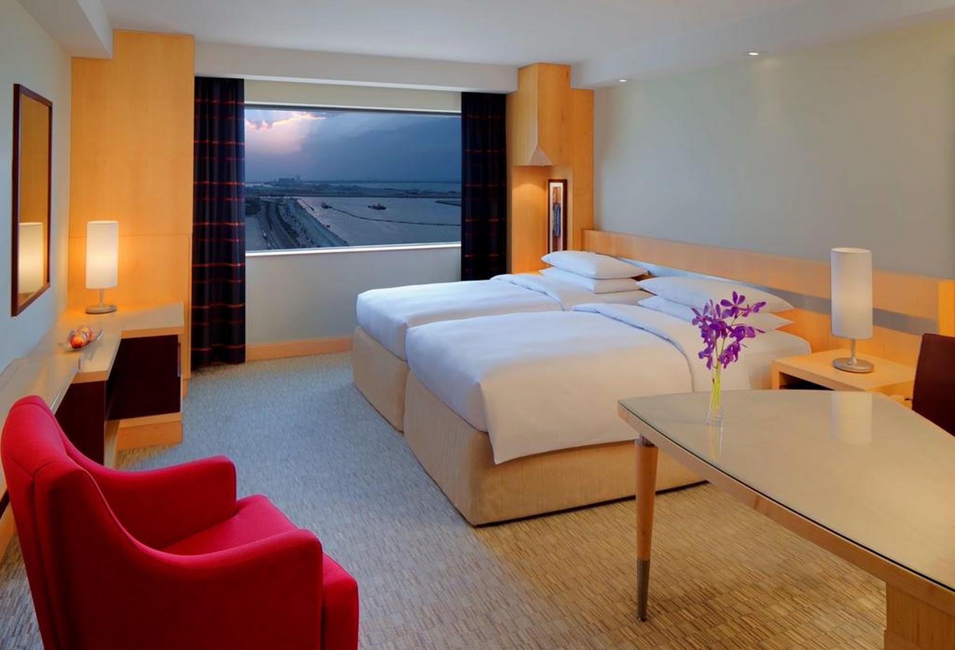 ویژگی های هتل هایت رجنسی دبی