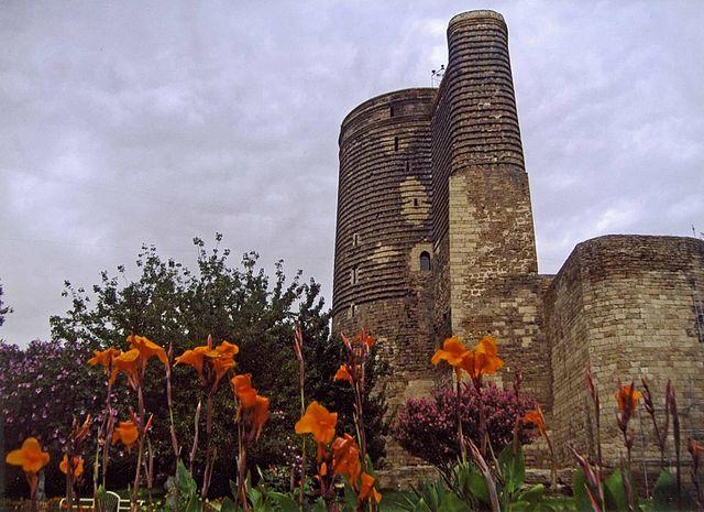 برج دختر از جاذبه های دیدنی باکو