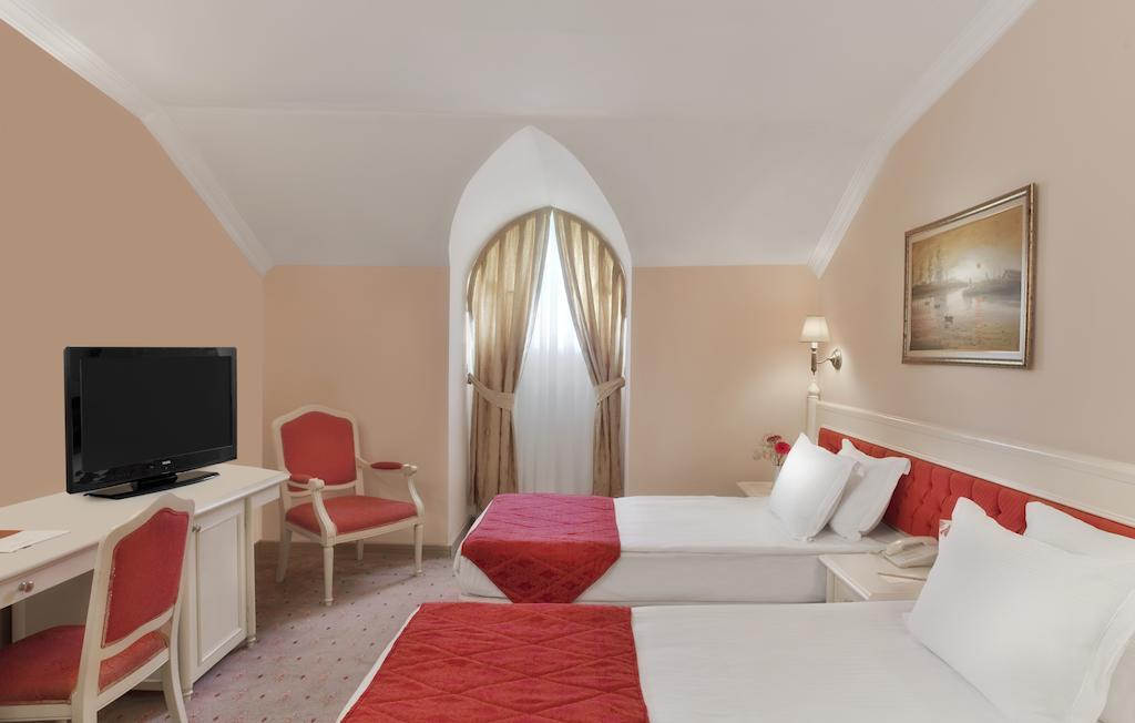 امکانات اتاق های هتل پی جی اس کرملین پالاس آنتالیا