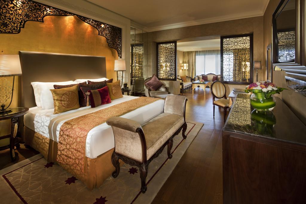 امکانات هتل جومیرا