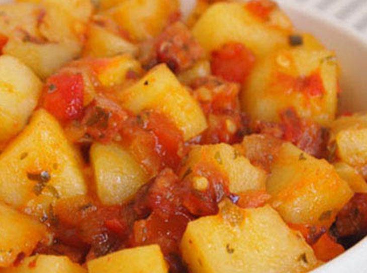 دوپیازه آلوی شیرازی از غذاهای معروف شیرازی