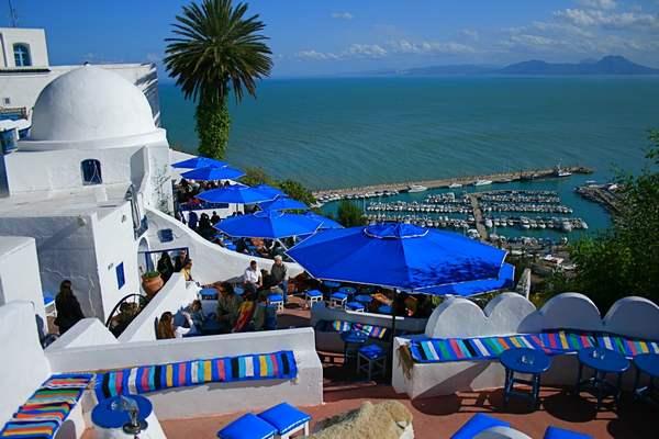 محله سیدی بو سعید یکی از جاذبه های گردشگری تونس