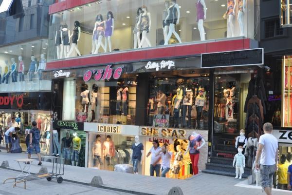 بهترین مراکز خرید لباس شب در استانبول