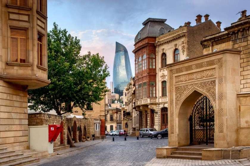 جاذبه های تاریخی باکو