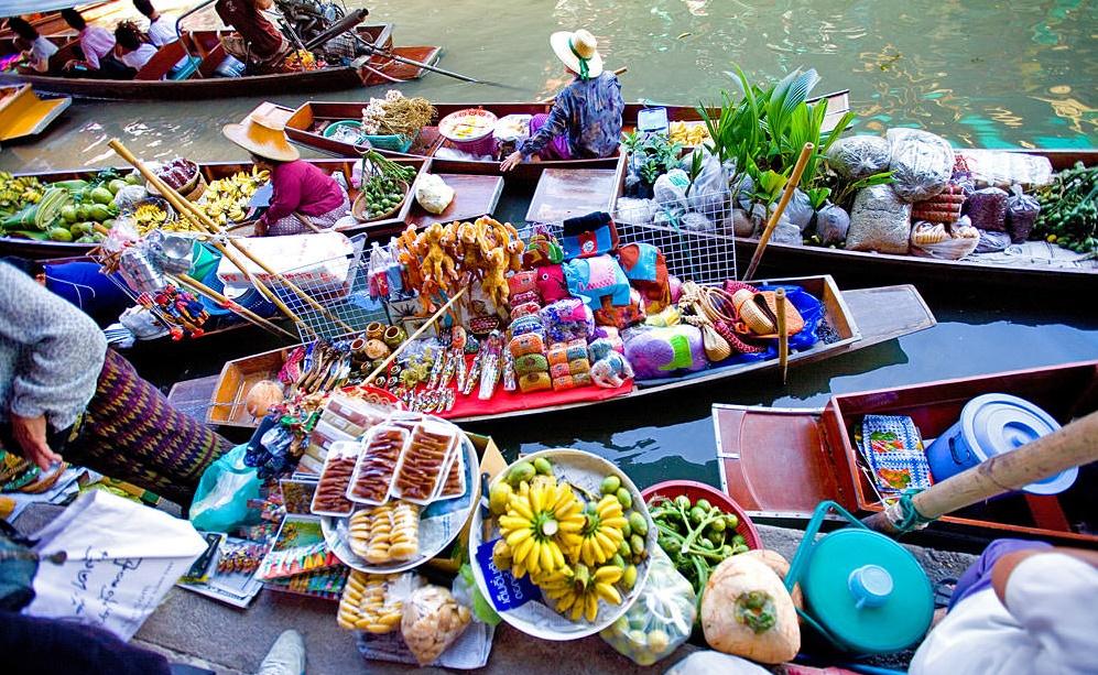 بازار روی آب از جاذبه های دیدنی بانکوک