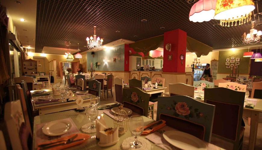 رستوران رویال استار از جمله رستوران های جزیره کیش