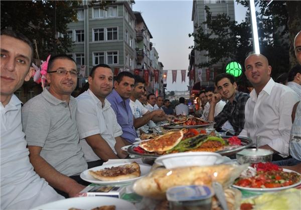 آشنایی با آداب و رسوم مردم استانبول در ماه رمضان