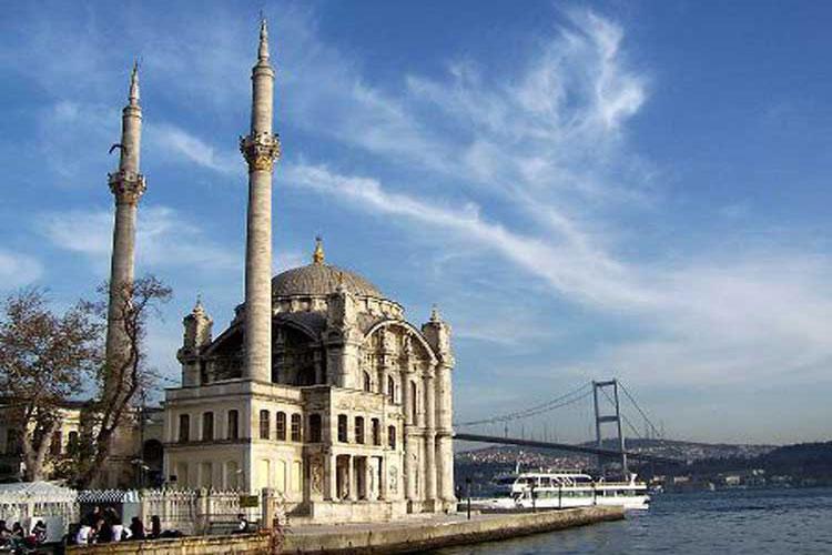 مسجد اورتاکوی استانبول