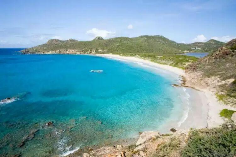 ساحل الفانیسی از بهترین سواحل دنیا
