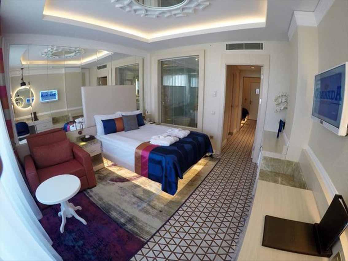امکانات هتل گرانادا لاکچری بلک