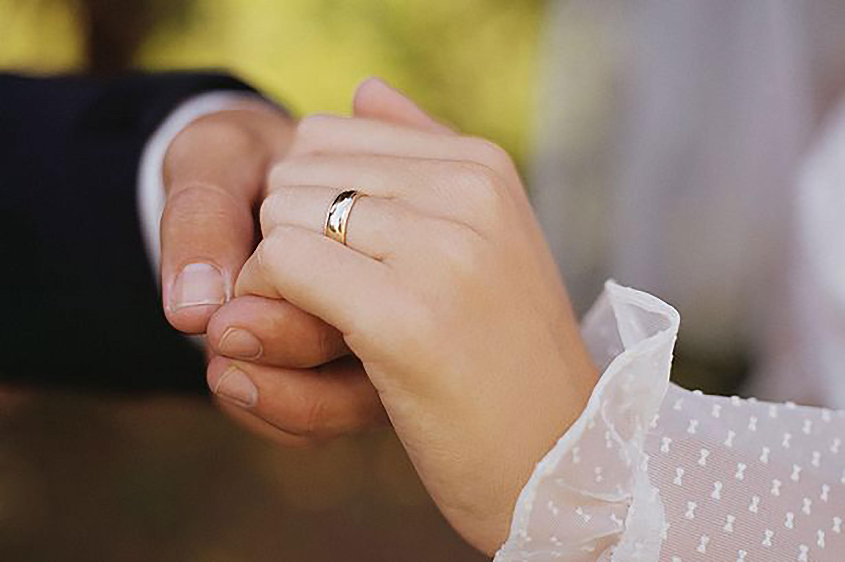 اخذ اقامت کشور امارات از طریق ازدواج