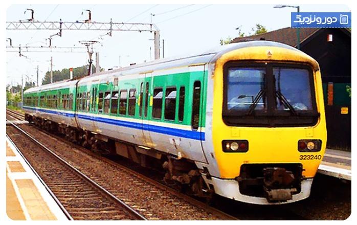 قطار پلور سبز